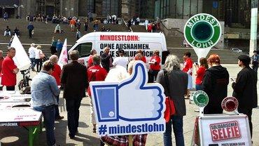 Aktion in Köln für den Mindestlohn