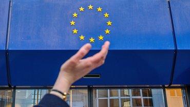 Frau Hand Europa